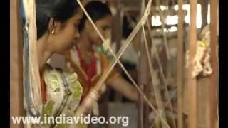Weaving Kerala Sari