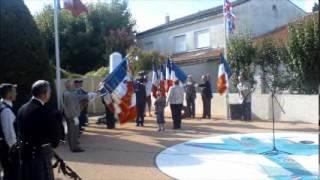 preview picture of video 'Jonzac honore ses héros Britannique de la royal air force'