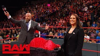 "Triple H & the WWE Universe sing ""Happy Birthday"" to Stephanie McMahon: Exclusive, Sept. 24, 2018 - Video Youtube"
