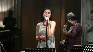Eva Celia - God Bless The Child @ Mostly Jazz 23/12/11 [HD]