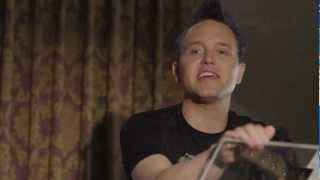 Bassists Look Too Bored With <b>Mark Hoppus</b>