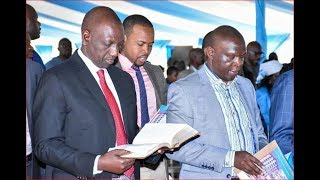 Deputy President Dr. William Ruto preaching against corruption, Uhuru in the congregation