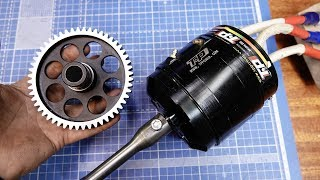 Electric motor 23 kilowatts the size of a fist - wires with a finger