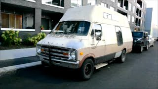 1978 DODGE TRADESMAN VAN SIGHTING - QUITE THE CONTRAST