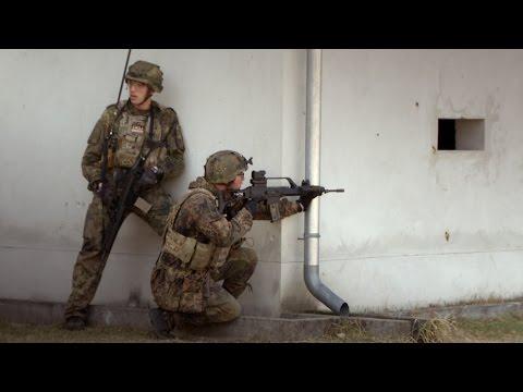 Objektschützer der Bundeswehr üben den Häuserkampf