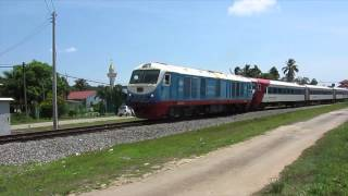 preview picture of video 'Diesel locomotive in North Borneo 北ボルネオサバ州鉄道のディーゼル機関車'