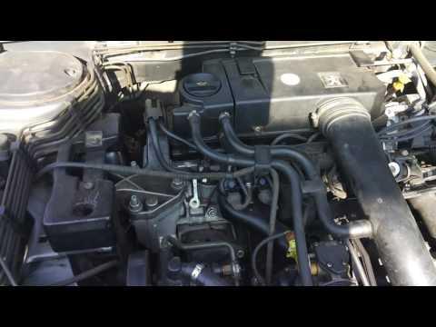 Die Mischung des Benzins und des Öles für dwuchtaktnych der Motoren trimmerow