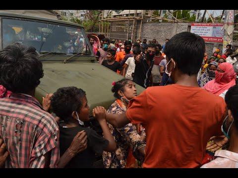 নারায়ণগঞ্জে ত্রাণের জন্য সেনা বাহিনীর গাড়ি আটকে দিল মহিলারা