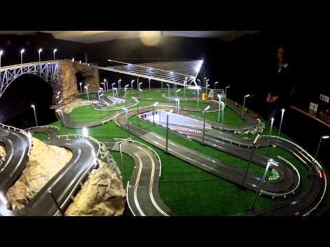 CIRCUITO SCALEXTRIC ILUMINADO - EL VIDEO
