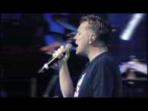New Order - Bizarre Love Triangle [FINSBURY PARK 9TH JUNE]