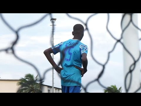 Ivory Coast: Young footballers at risk from people smugglers