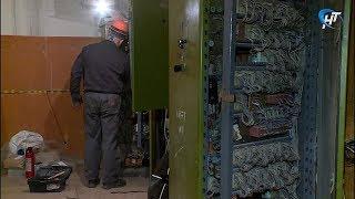 В новгородских многоэтажках до конца года заменят более 70  лифтов