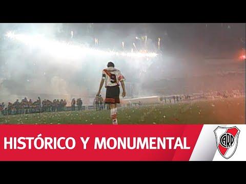 ¡IMPONENTE! El recibimiento a RIVER en la Supercopa 97