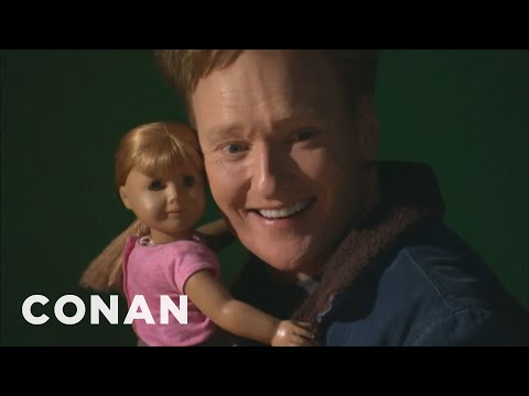 Conanova návštěva v obchodě s panenkami