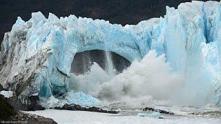 Perito Moreno Glacier ice bridge collapses into lake in Argentina