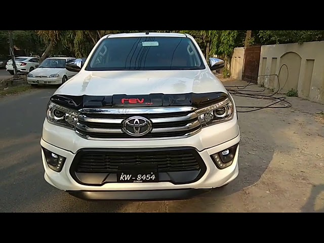 Toyota Hilux Revo V Automatic 2.8 2018 for Sale in Lahore