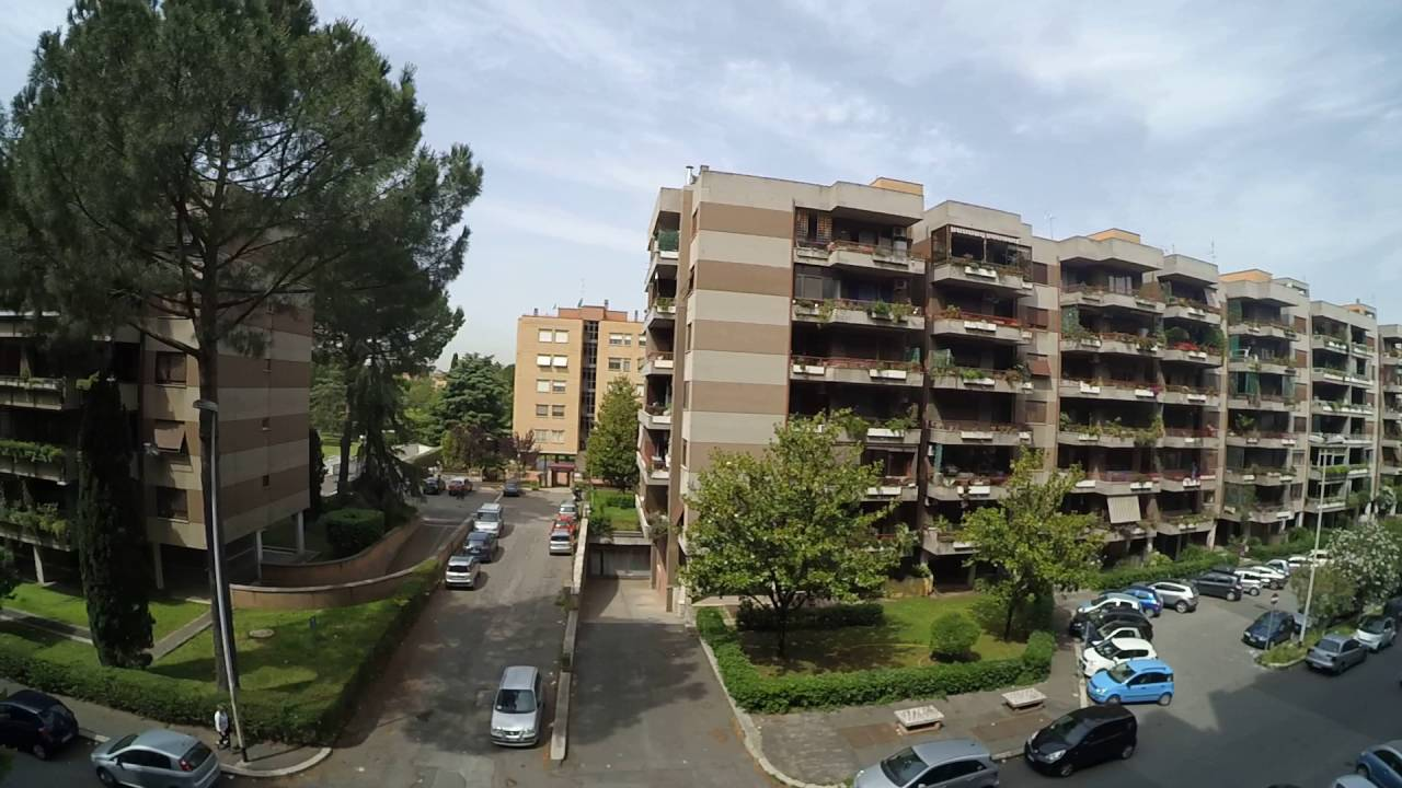 Rooms for rent in apartment with balcony in north-eastern Rome