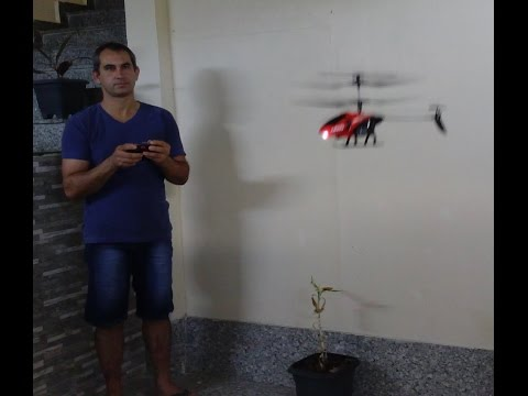 mini helicóptero de controle remoto teste