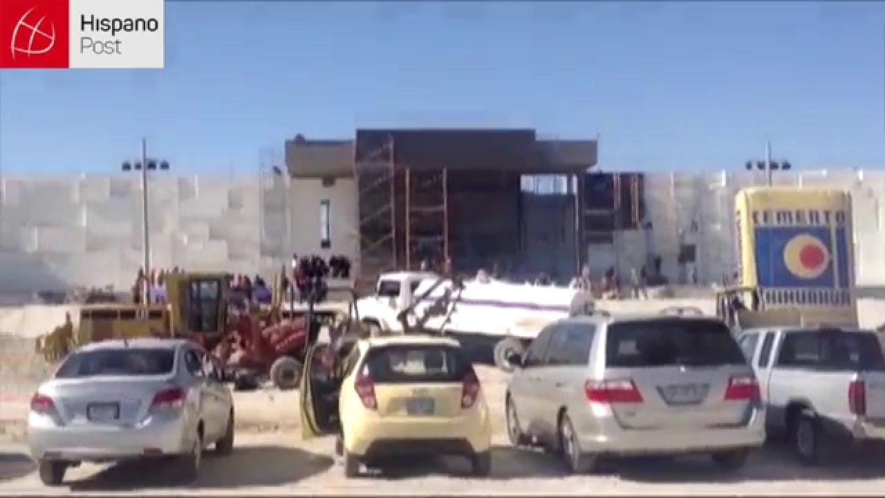 Obreros trabajan hasta 12h al día para terminar el altar del Papa en Ciudad Juárez