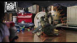 Aliens in the Attic – Trailer