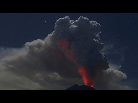 Συναγερμός για την ηφαιστειακή έκρηξη στο Μπαλί της Ινδονησίας…