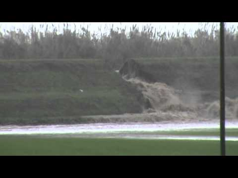 Preview video Alluvione Serchio : prima rottura