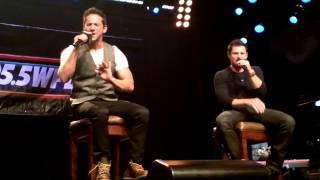 98 Degrees - Concert au Hard Rock Cafe - Because of You