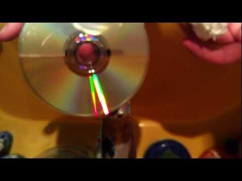 Anleitung: Zerkratzte CDs mit Zahnpasta reparieren - Zerkratzte CD mit Zahnpasta reparieren Tutorial