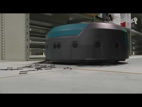Makita DRC200Z Robot Vacuum by RobotShop.com