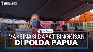 Warga Dapat Bingkisan Sembako, 2 Rak Telur hingga Voucher Pulsa Gratis seusai Vaksin di Polda Papua