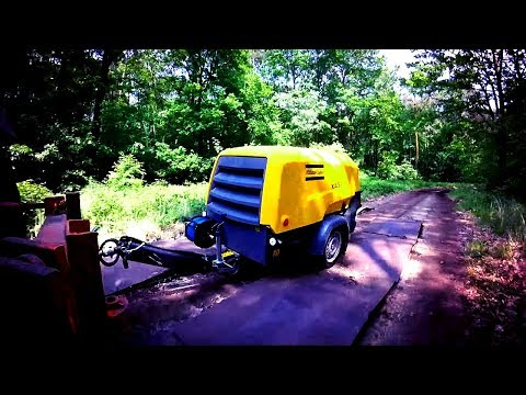 Can the 8 Series be beaten by potholes? See how to move a Mobile Air Compressor by road Atlas Copco - zdjęcie