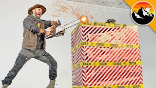 CHAIN SAW vs ULTIMATE PRESENT! - What's in the Box?