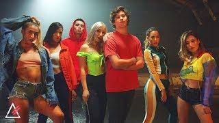 Astrojaxx Feat. Mechi Pieretti – Universe (Official Video)