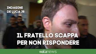 Piero De Luca a Salerno scappa dai giornalisti