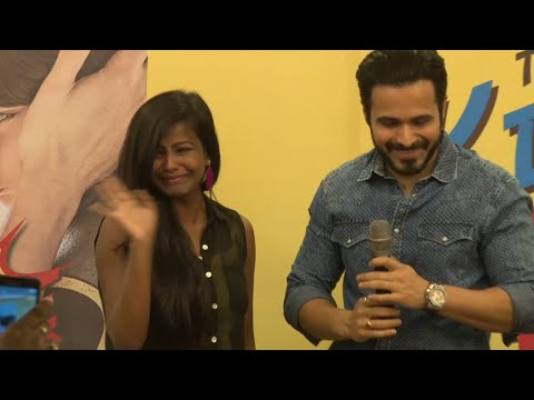 "Emraan Hashmi's Fan Cried & Hug Him At Book Launch Of "" Kiss Of Life"""
