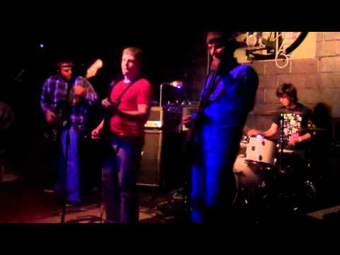 Don't Pet Hatchet - You Control My Heart live at Castaway Club