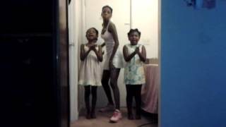 Momma and kids rapping