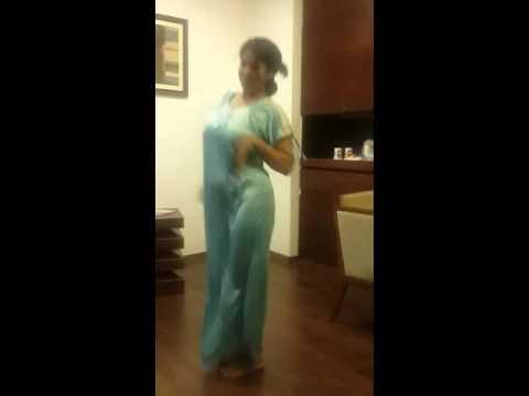 malayali aunty hot dance No1