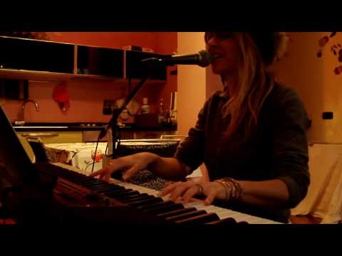 L'ora dell'Amore Piano-Voice performed by Jennifer