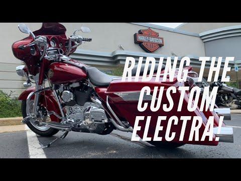 2001 Harley-Davidson FLHTC/FLHTCI Electra Glide® Classic in Portage, Michigan - Video 1