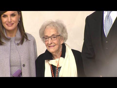Ida Vitale recibe el Premio Cervantes por su obra poetica