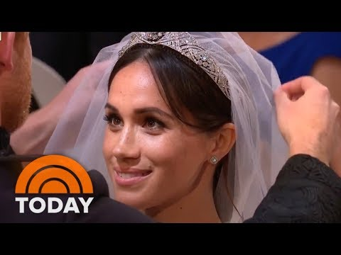 Royal Wedding: Prince Harry Lifts Meghan Markle's Veil | TODAY