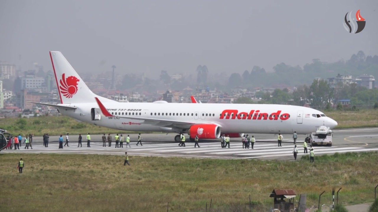 Malindo Aircraft safely removed from the runaway (with video)