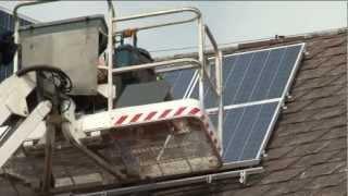 preview picture of video 'Solaranlage Montage auf dem Dach der VS-Bärnbach'