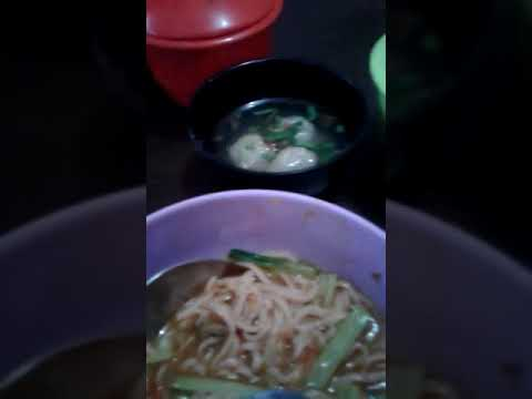 Mi ayam buah naga dan daun suji buatan sendiri dengan bahan alami lutfi noodle