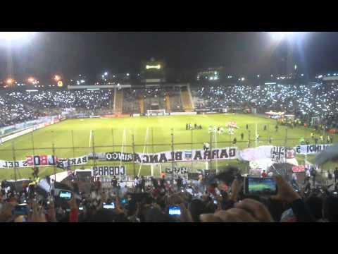 """""""Salida Colo-Colo⭐ vs Santa Fe 15/04/2015"""" Barra: Garra Blanca • Club: Colo-Colo"""