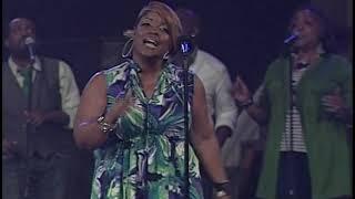 Anita Wilson - Keep On Praisin' (LIVE)