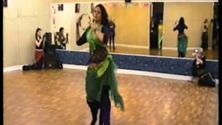 танец с бубном, Лейла Адора