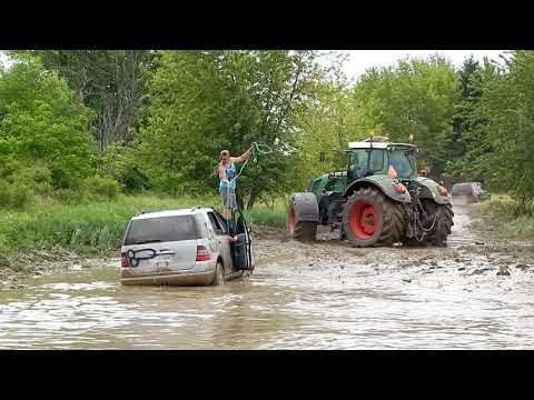 Mercedes-Benz ML430 Off-Road in Mud Bog