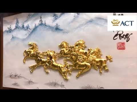 Tranh bát mã nền sáng (40×65cm) – ACT GOLD